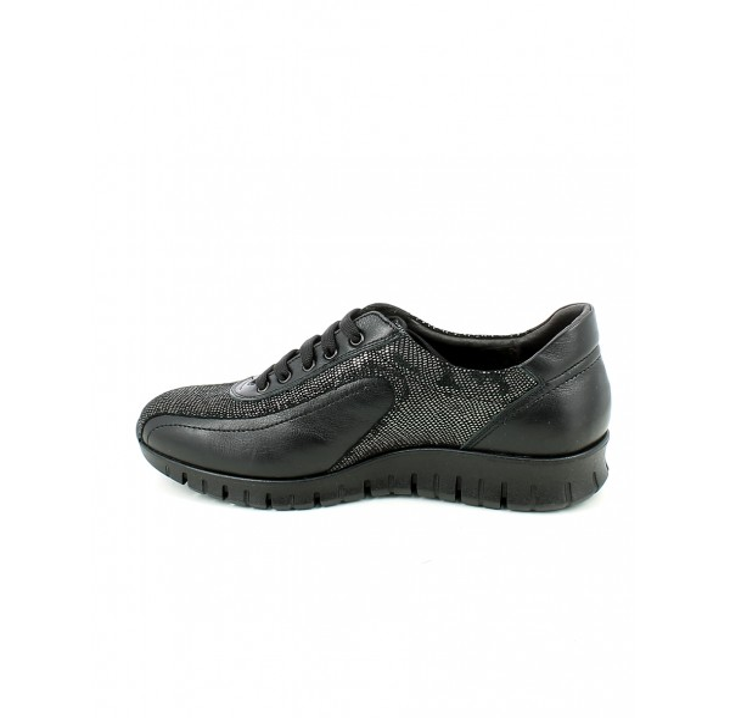 Sneaker in pelle e laminato nero