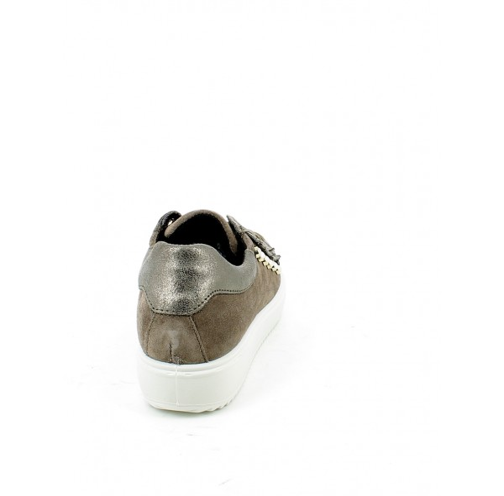 Sneaker in camoscio e laminato con perle