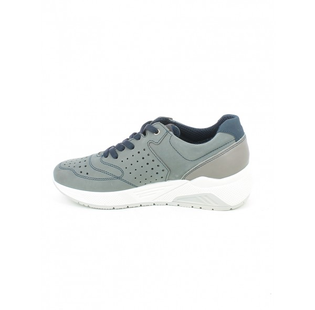 Sneaker in nabuk grigio con memory foam