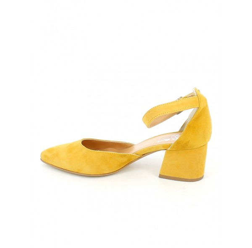 Sandalo a punta in camoscio giallo
