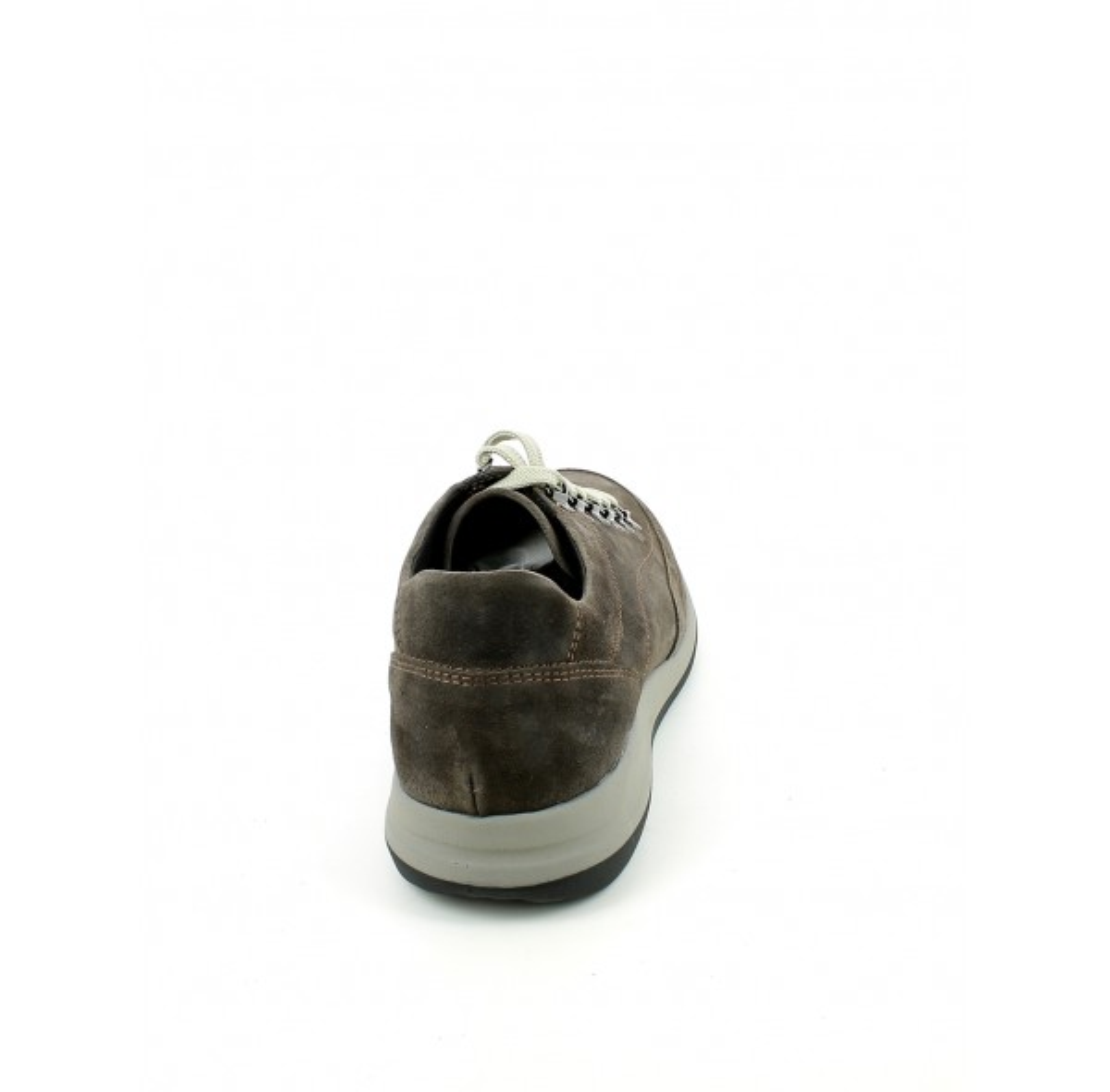 Sneaker in camoscio con ganci
